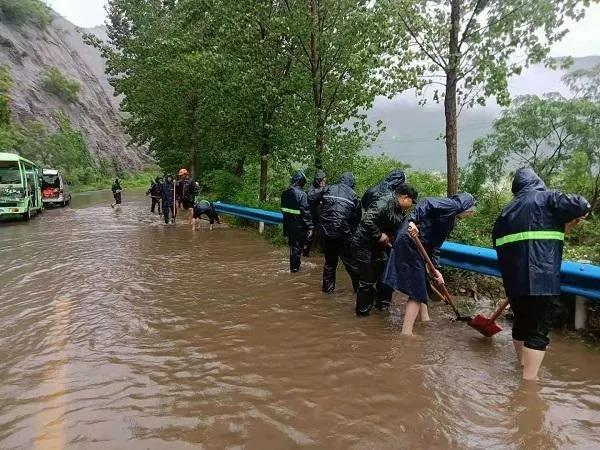 人民至上 风雨同舟丨河南省各级人大及人大代表防汛救灾在行动